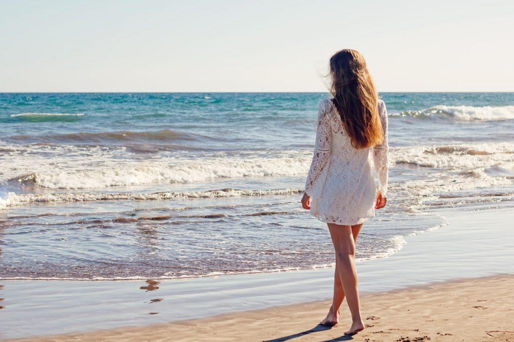 כלה בהרגעות ליד הים